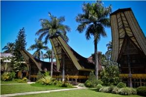 667_667_Manado_-_Rumah_Adat_Toraja_-_IE